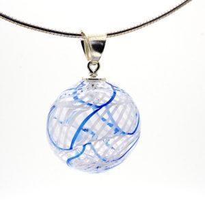 pendentif transp filigrane blanc et bleu